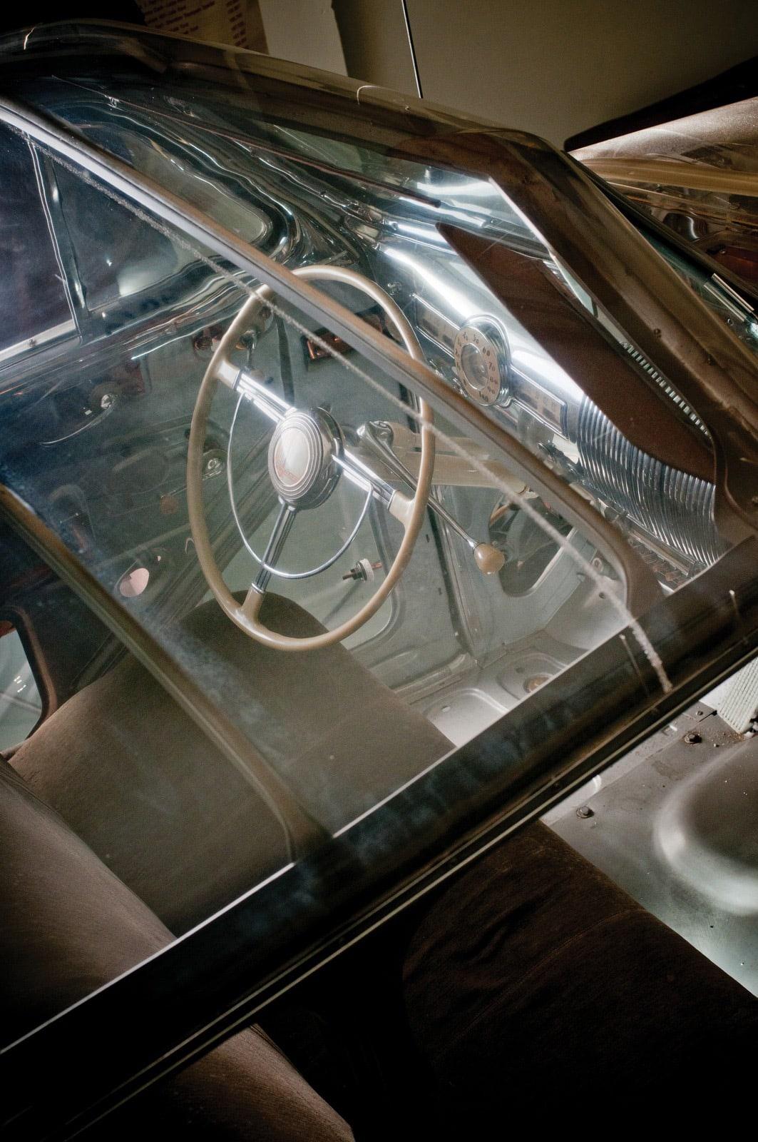 1939 Pontiac Plexiglas Deluxe Six Ghost Car 62