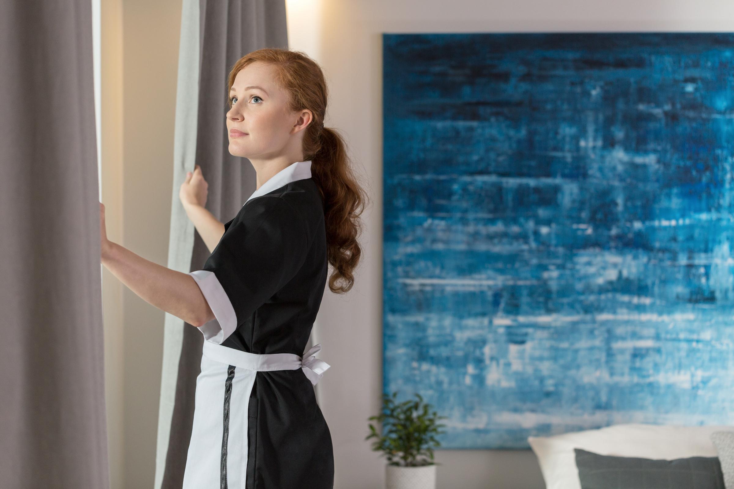 maid unveiling curtains PEXBMDL