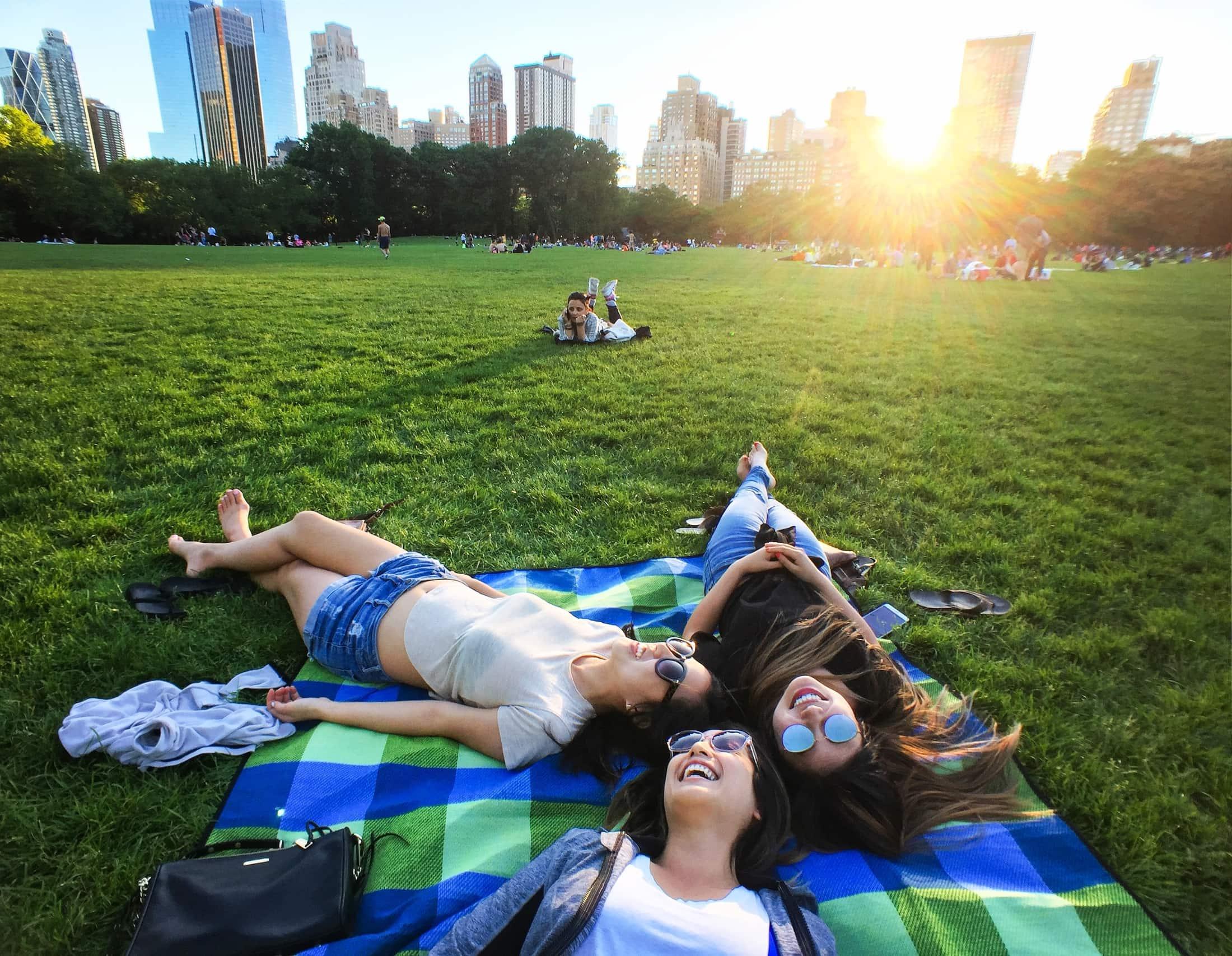 summertime joys in central park new york city J6MND2N