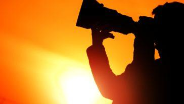 photographer sunset silhouette PS93DZE