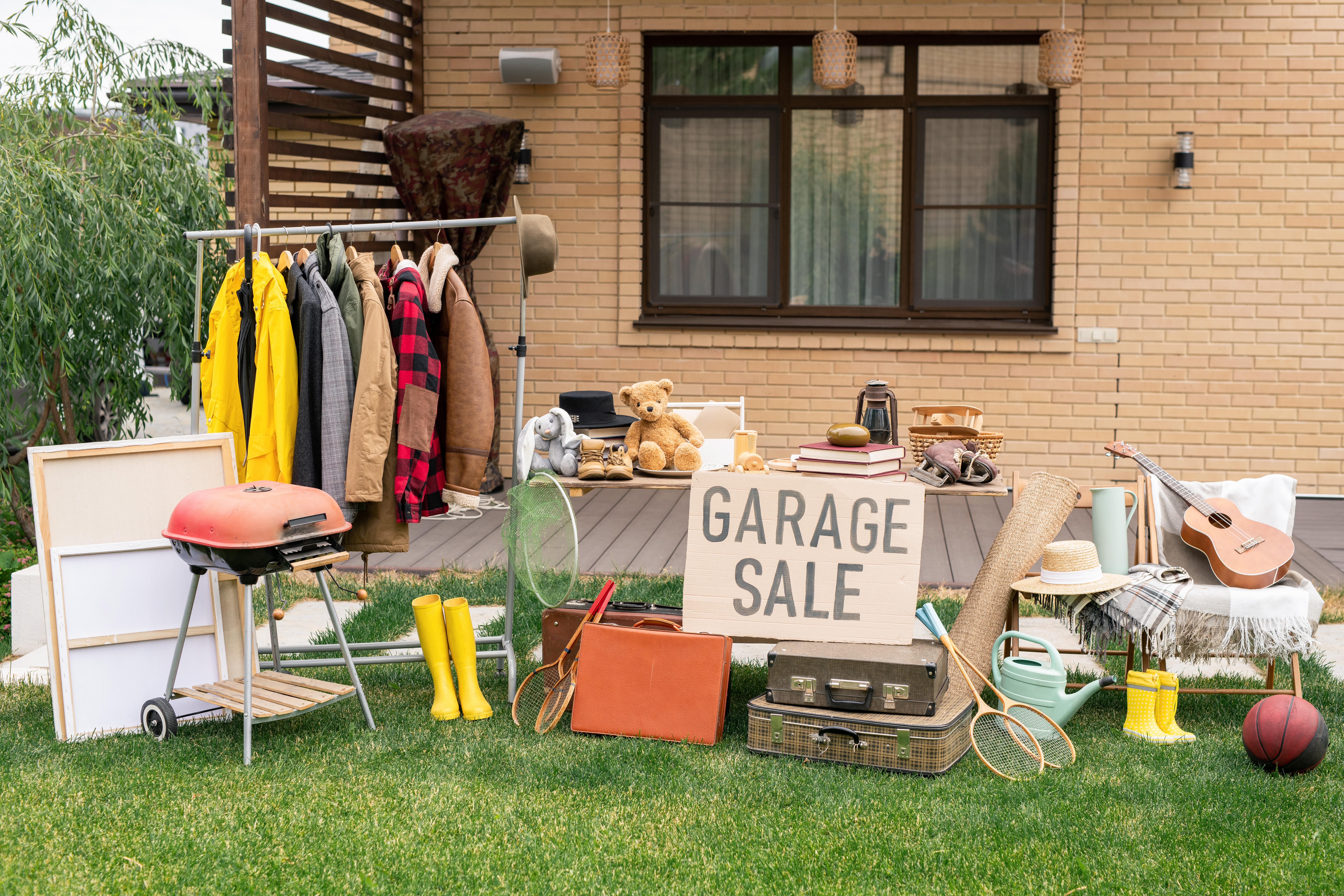 garage sale LJFY28H