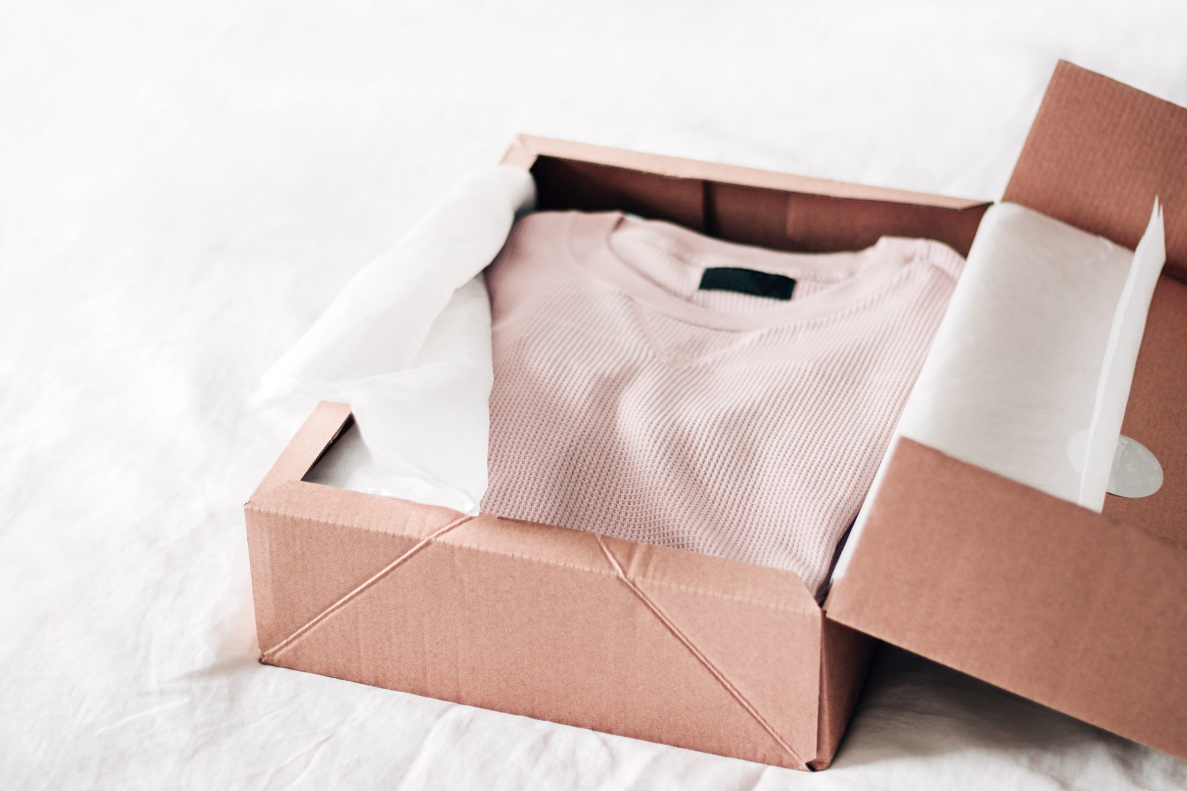 opening box pink t shirt online shopping 9PFLHFC