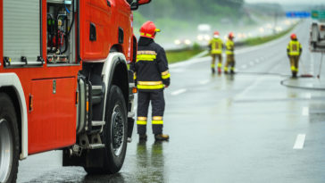 traffic accident emergency fire crew YLNFLUW