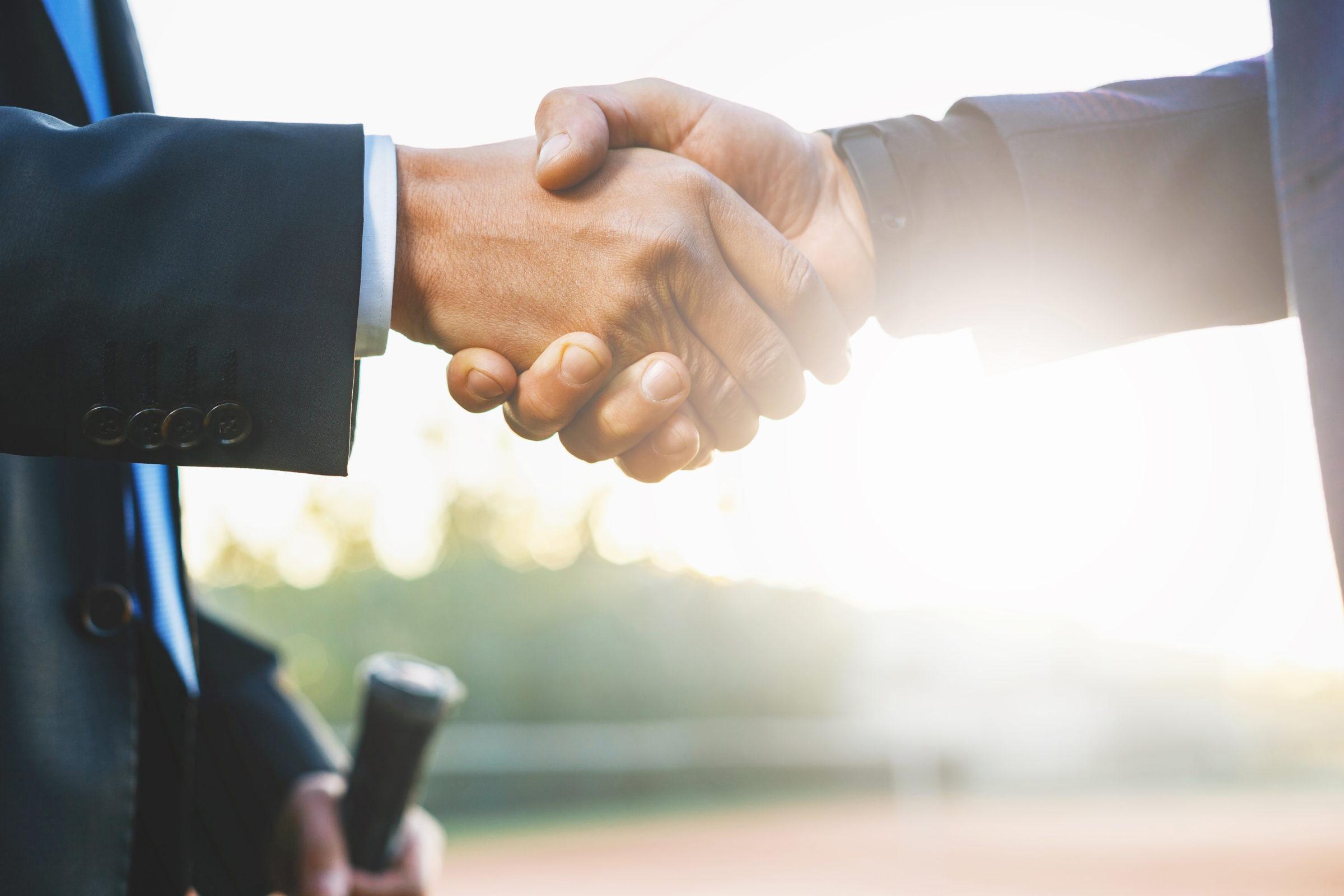business handshake DRKESZE