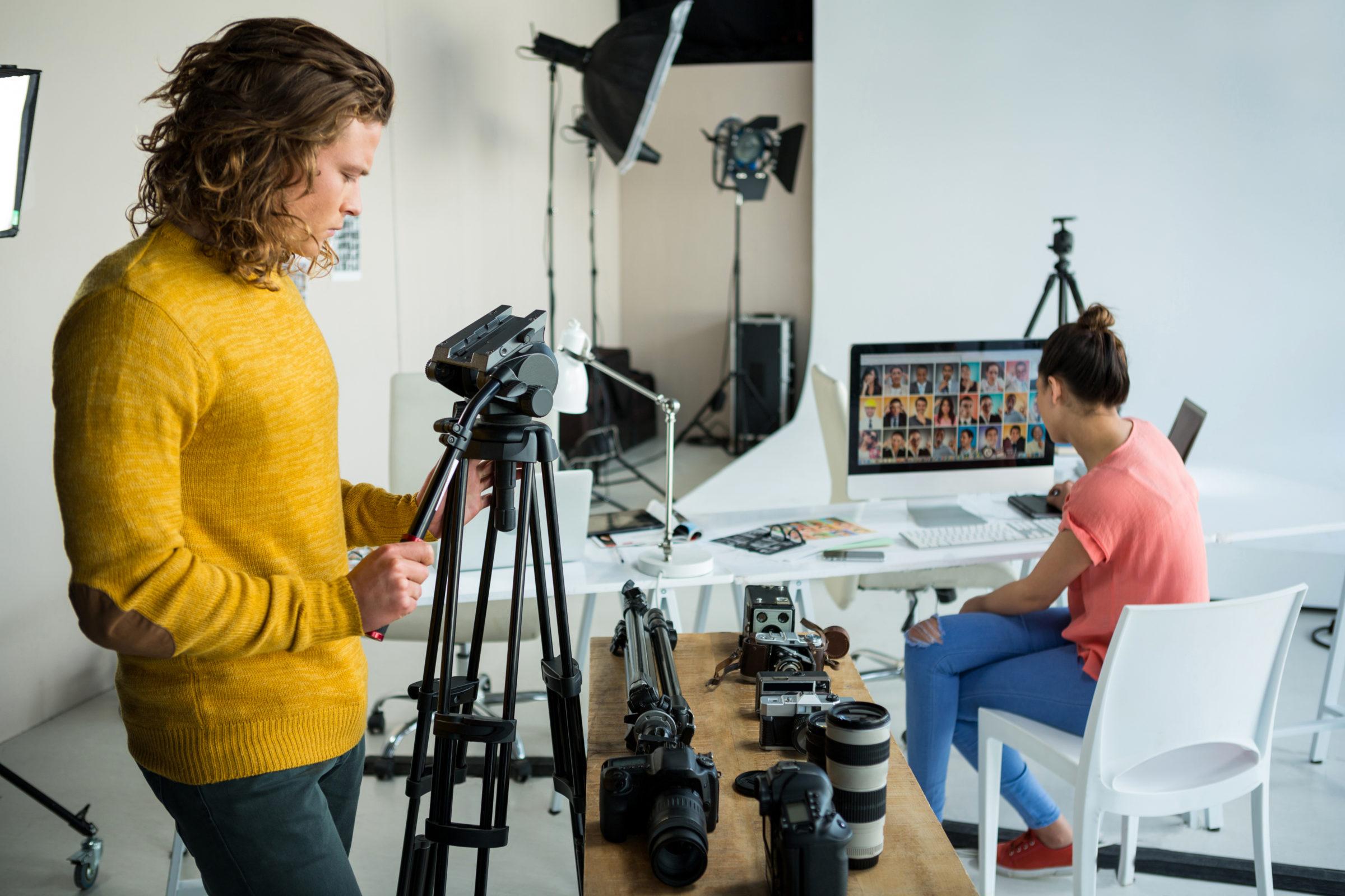 photographers working in studio 8FTRMLS