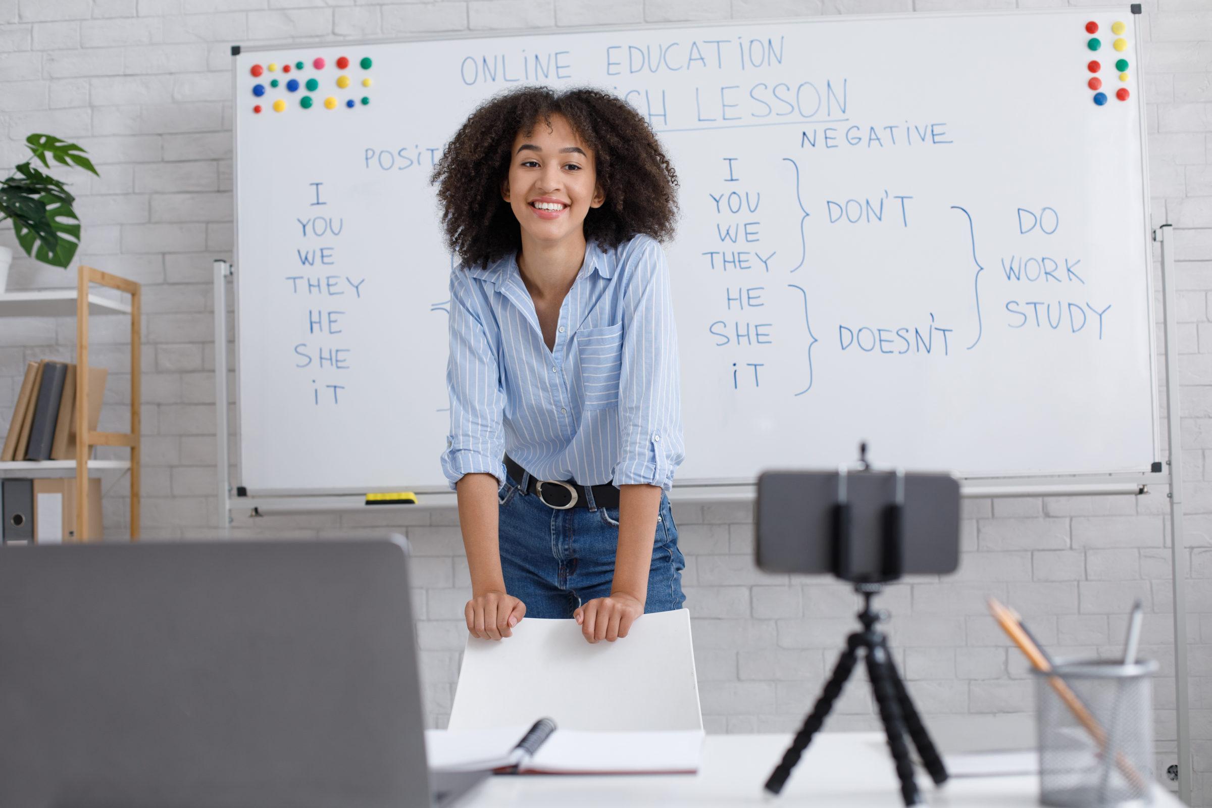 questions to english teacher online african americ U7DM5AM