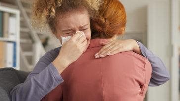 woman in depression MCZLUCG