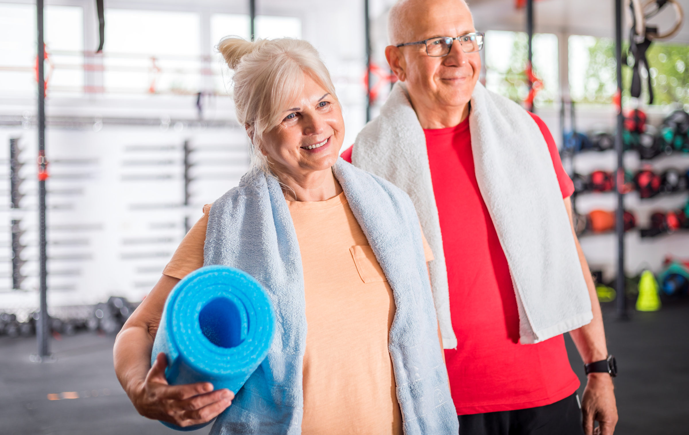 senior couple at the gym P96RE4C