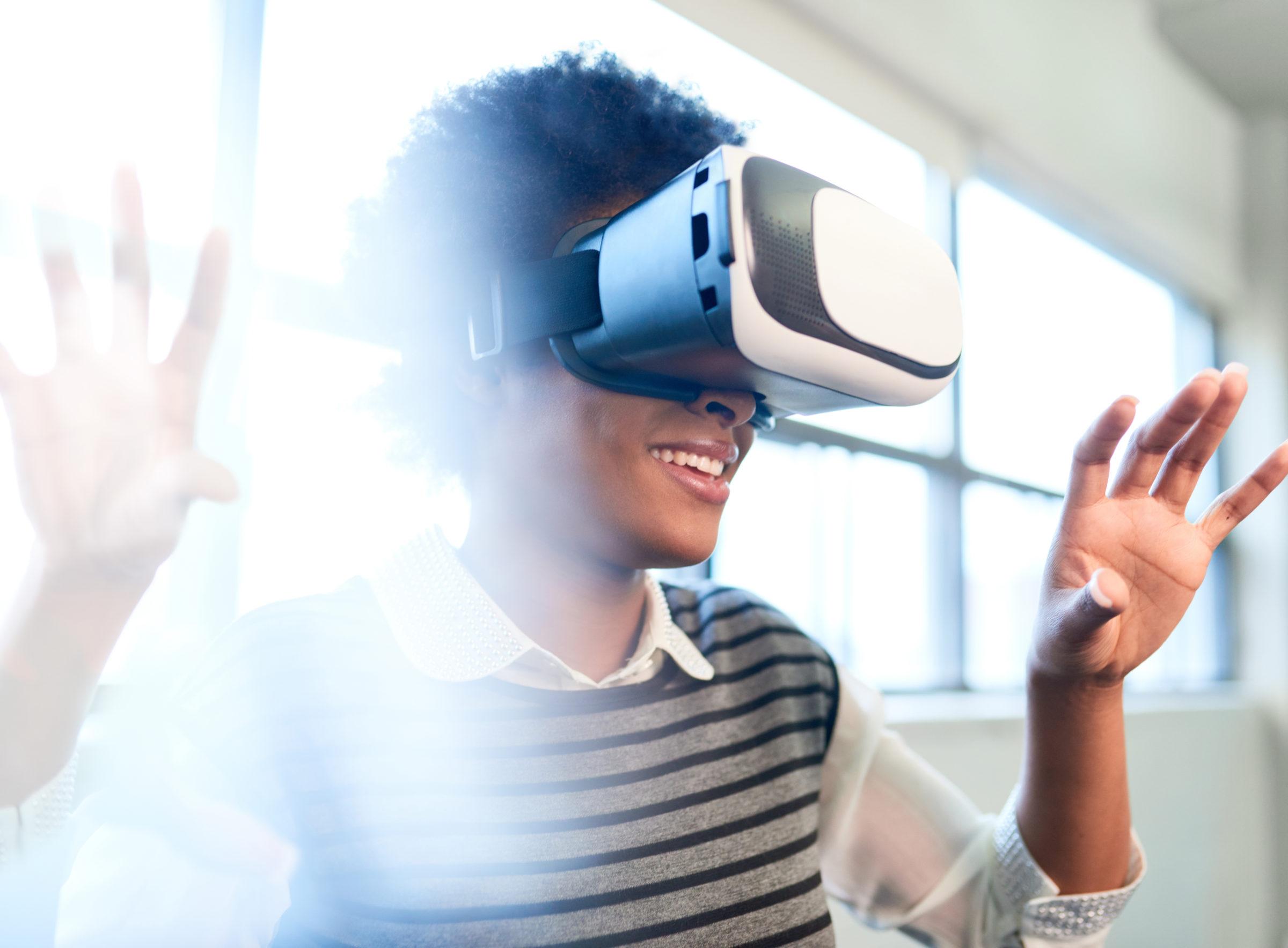 cool millennial black woman exploring virtual real PUSMYEM