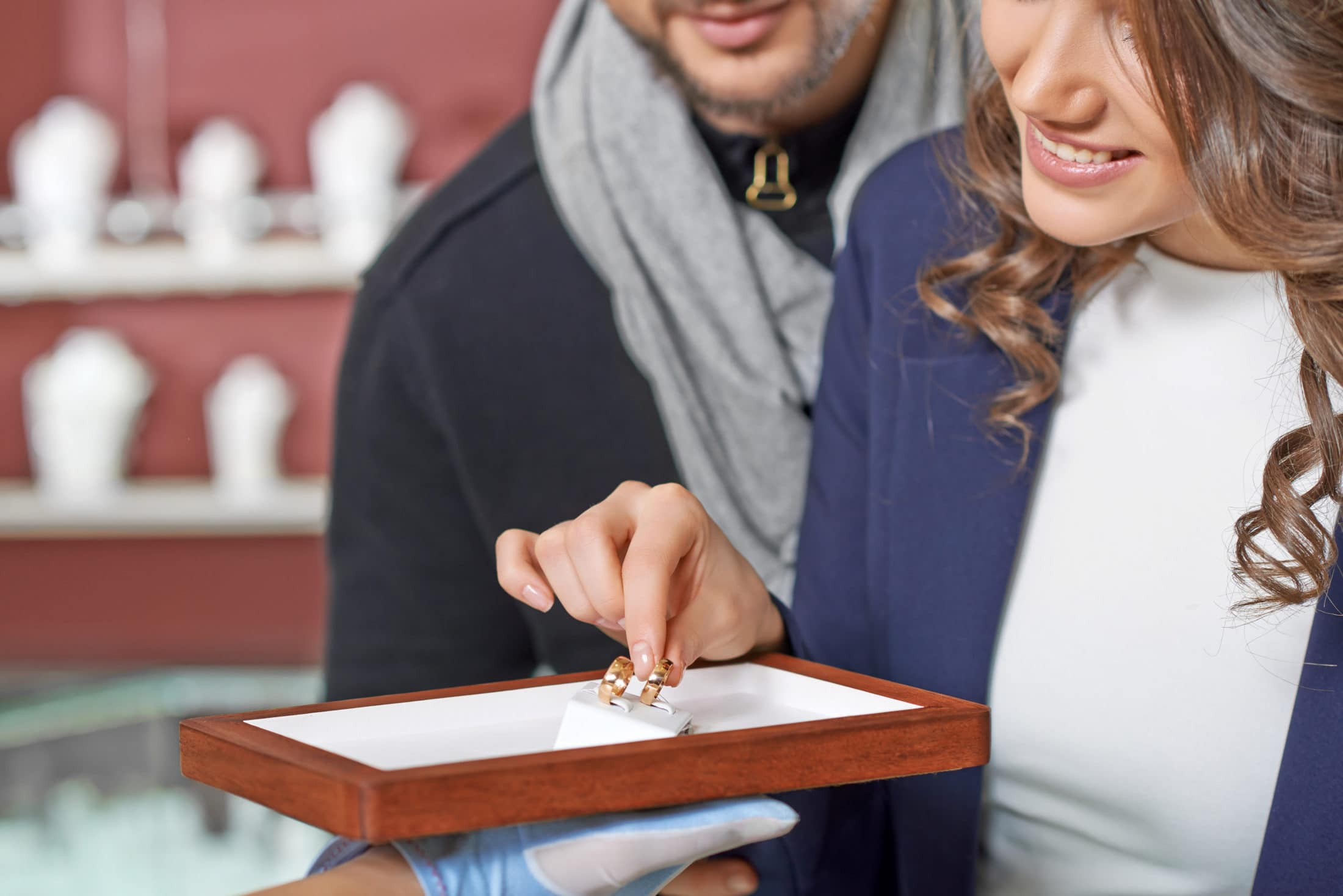 couple at the jewelry store 8G49WF8 scaled