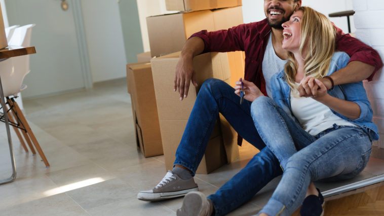 home people moving and real estate concept couple XSK9DHX