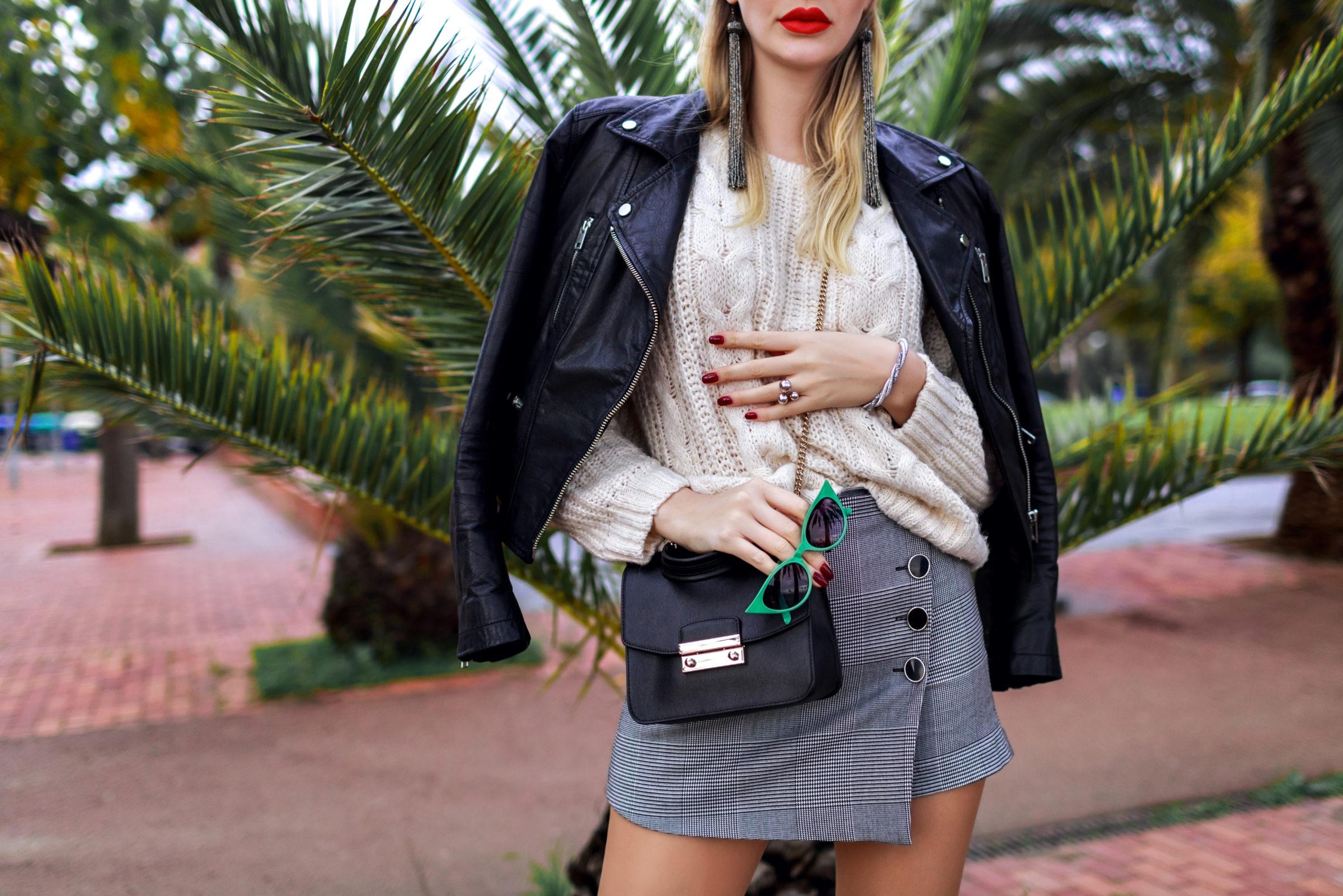 outdoor fashion image of stylish elegant woman pos FLM8YHK