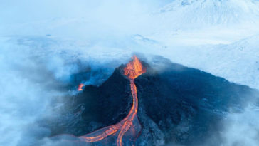 fagradalsfjall volcano eruption stranded stephane ridard 1