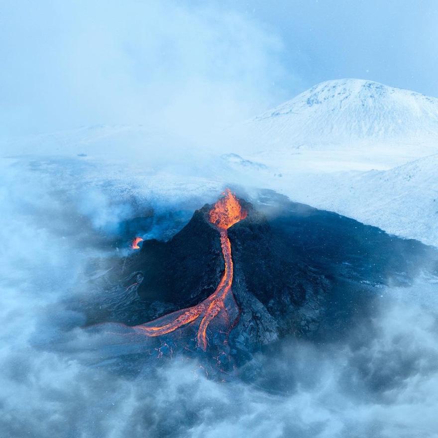 fagradalsfjall volcano eruption stranded stephane ridard 1