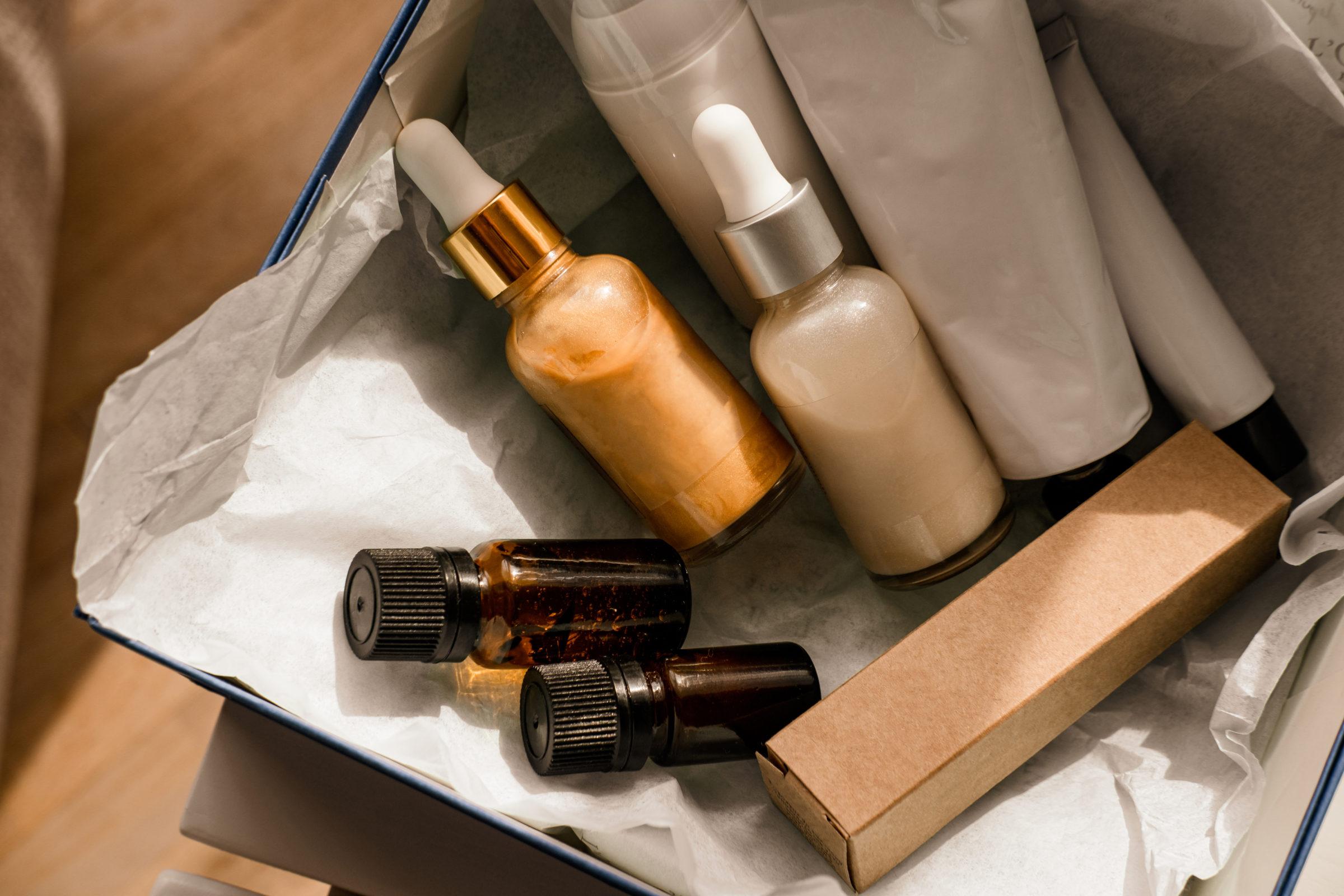 beauty box set of natural cosmetics Z4G9CKA