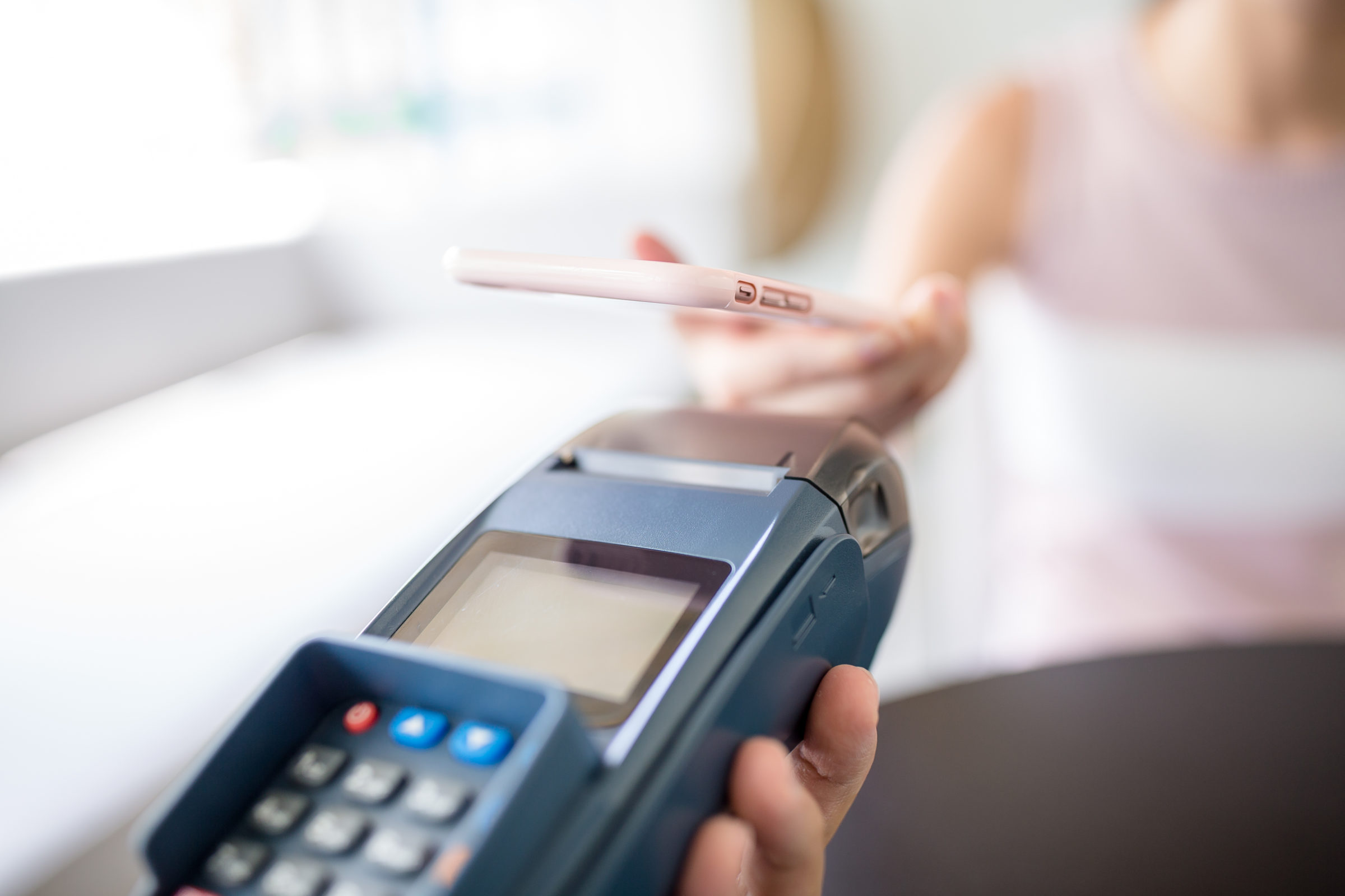 paying with smartphone TLE94YK