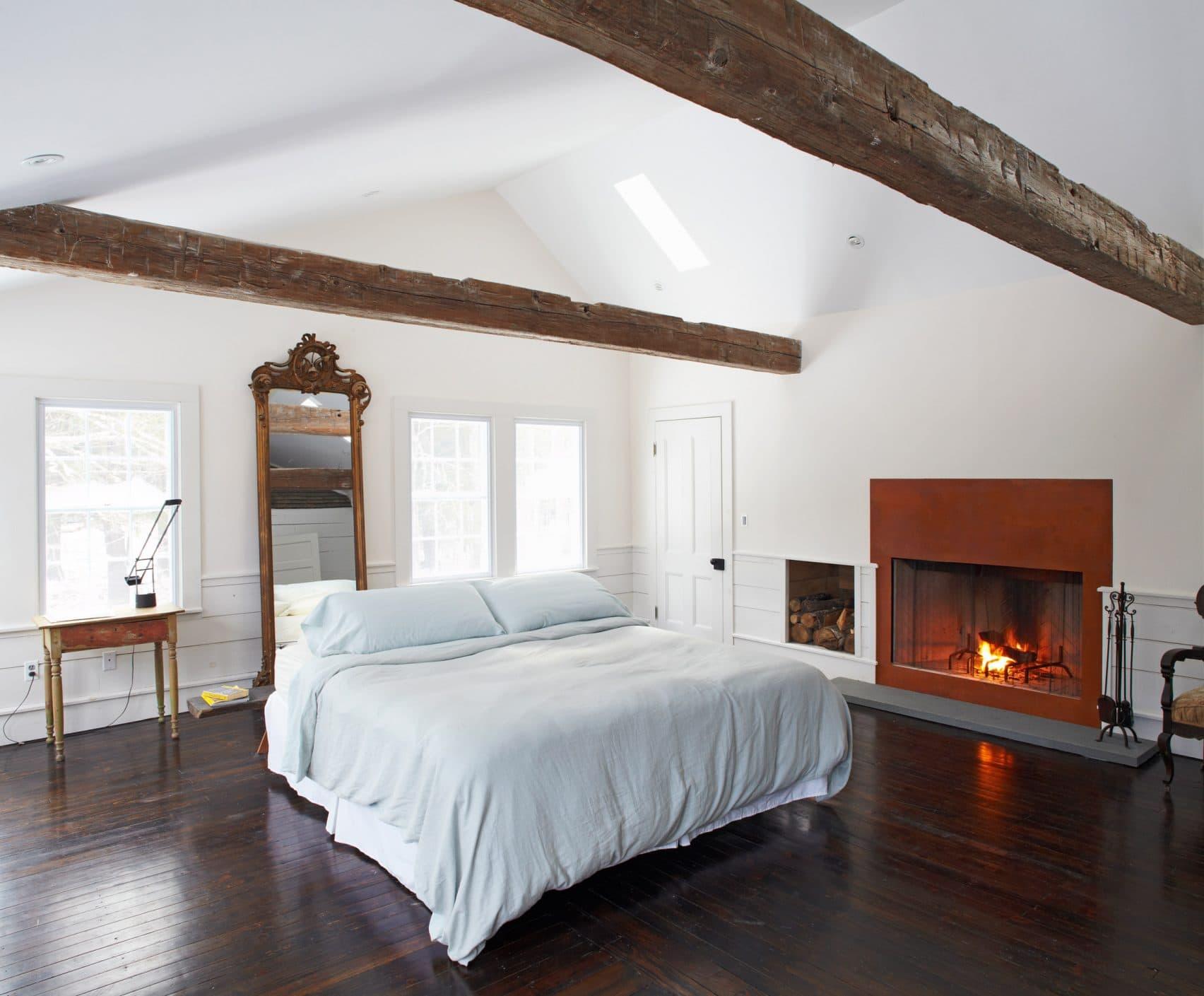 floating farmhouse tom givone residential renovations new york usa dezeen 2364 col 4 1704x1409 1