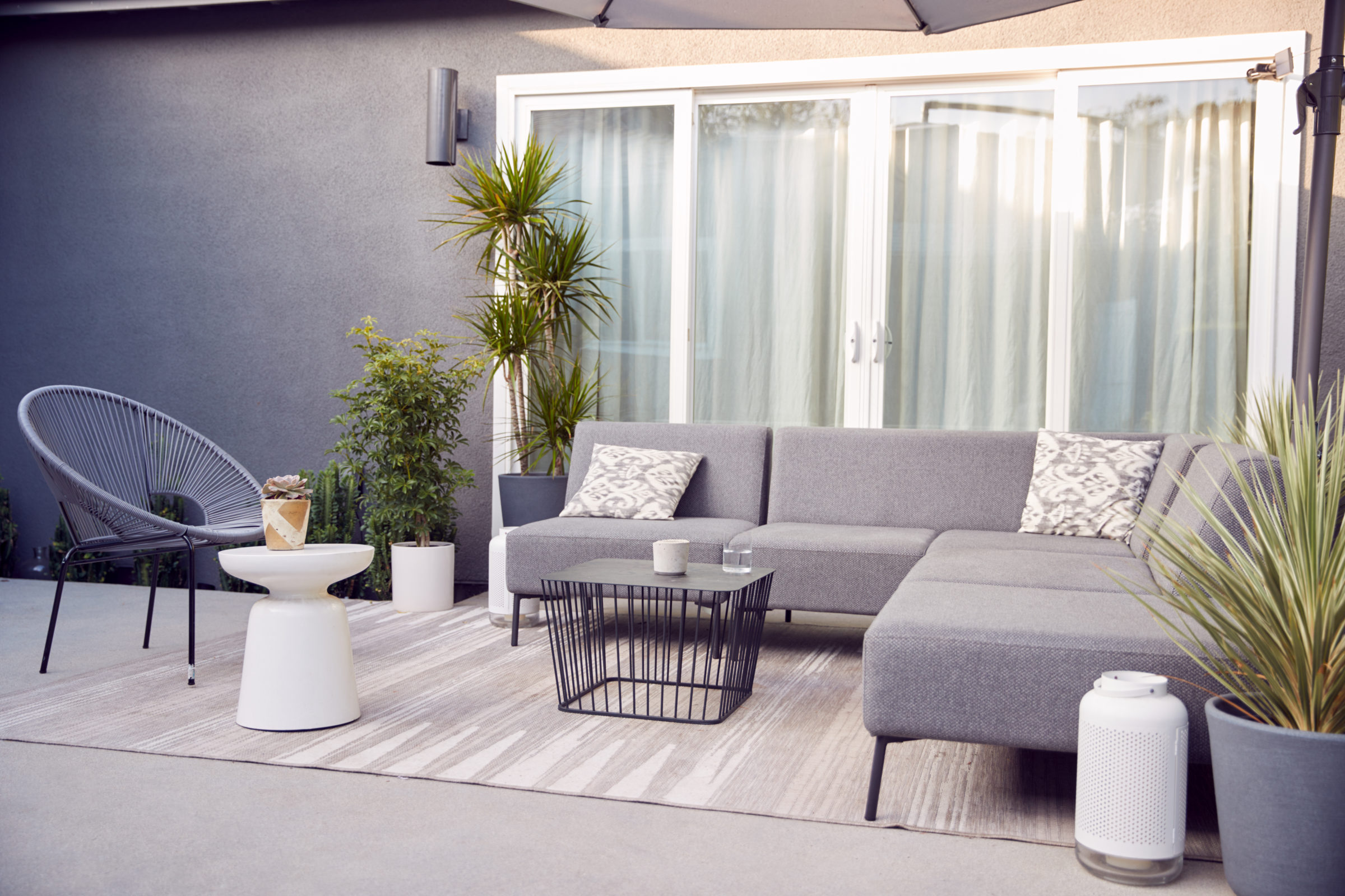 outdoor seating and garden furniture on patio of c 78LZMW9