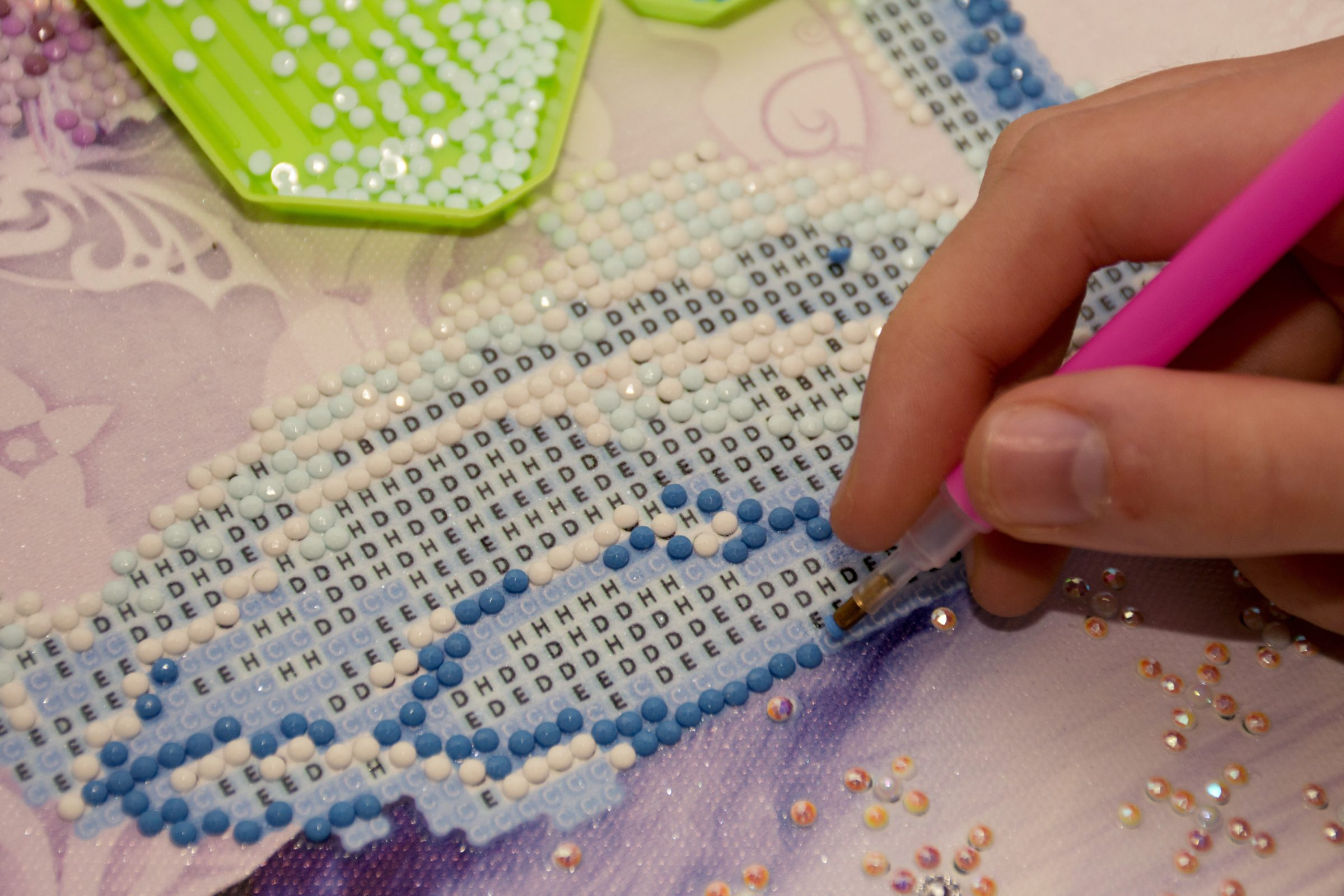 diamond painting embroidery craft in progress 9GYU6BX
